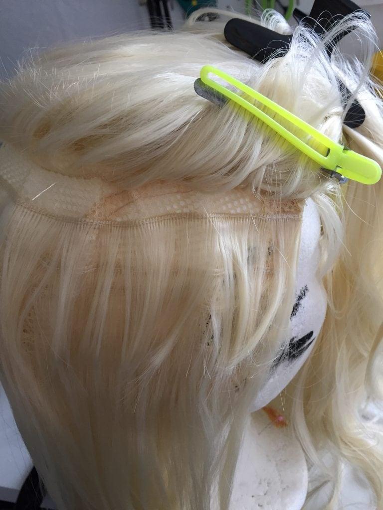 Günstige Cosplay Wig mit großen Lücken zwischen den Tressen