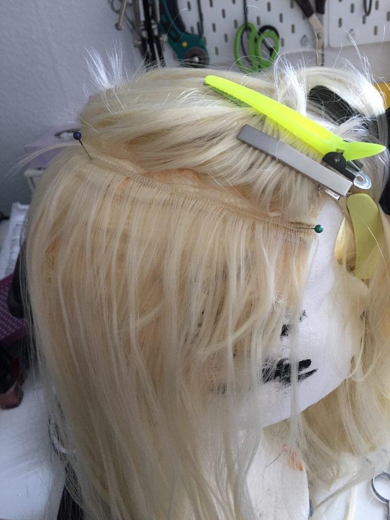 Eingesetzte Tresse in der Cosplay Wig